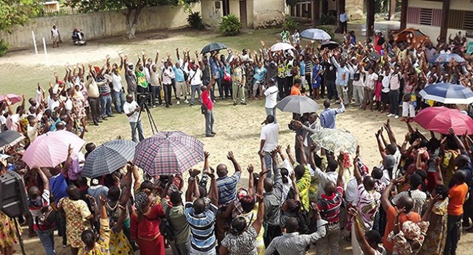 La société civile réunie pour adopter une position commune