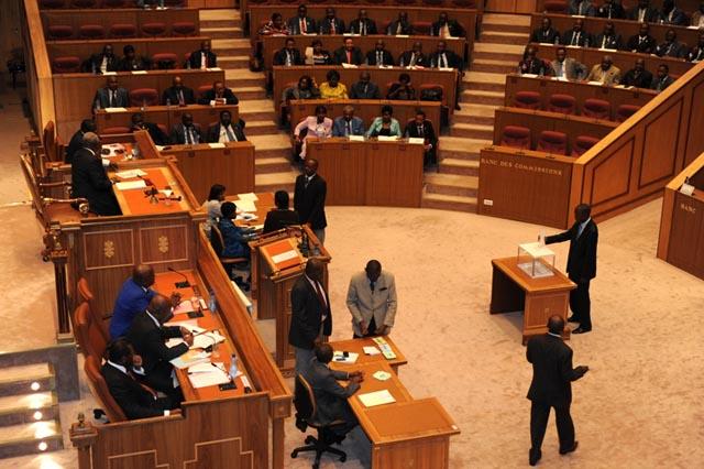 Les députés seront plus nombreux à l'issue des prochaines législatives