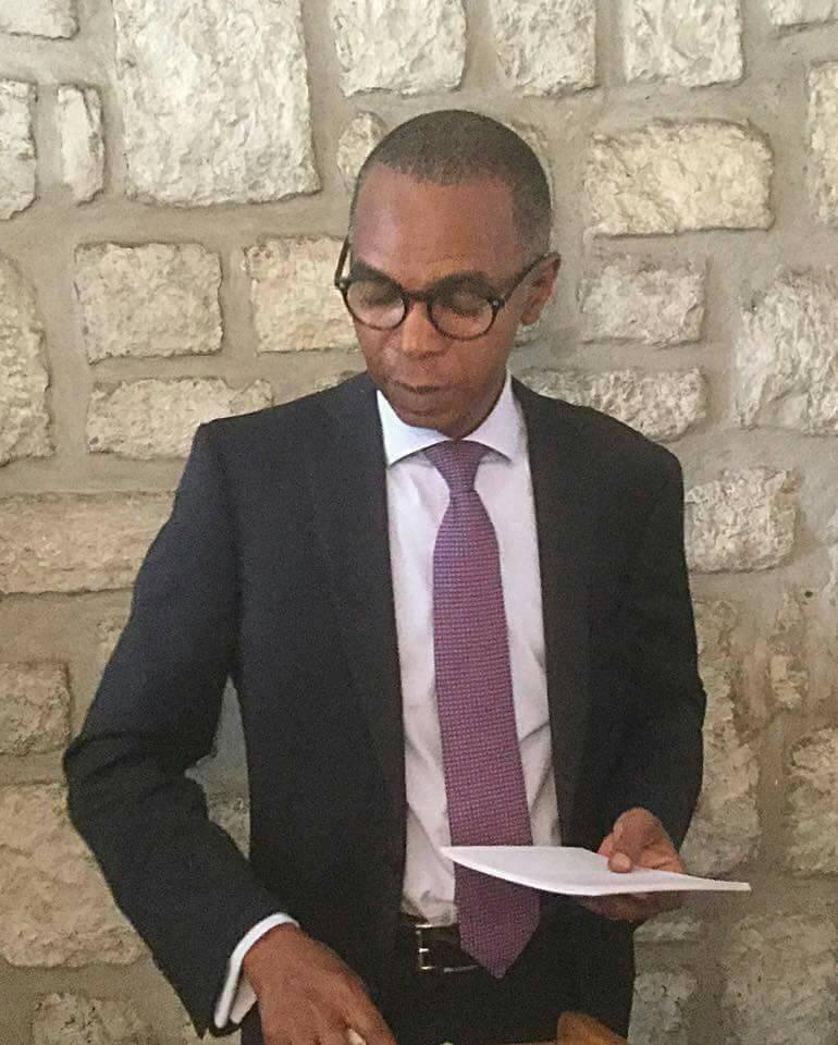 Jean Gaspard Ntoutoume Ayi, porte-parole de Jean Ping, juge la loi de finances rectificative peu crédible.