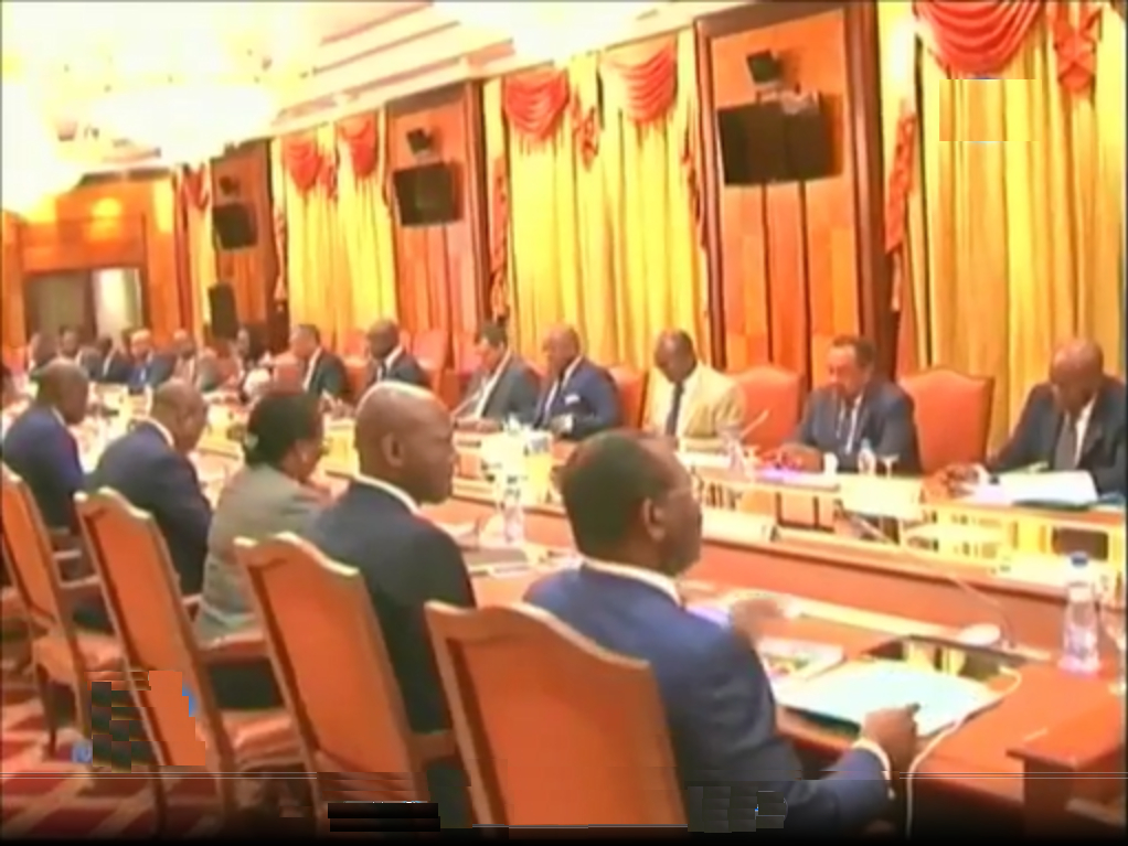 Le nouveau gouvernement réuni autour du président Ali Bongo Ondimba pour son premier conseil ministériel le 25 août dernier