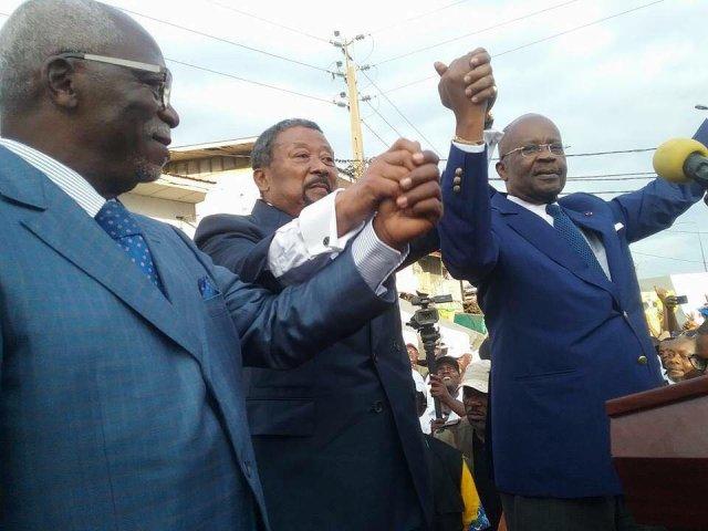 A droite Oye Mba, au milieu Ping, à gauche Nzouba